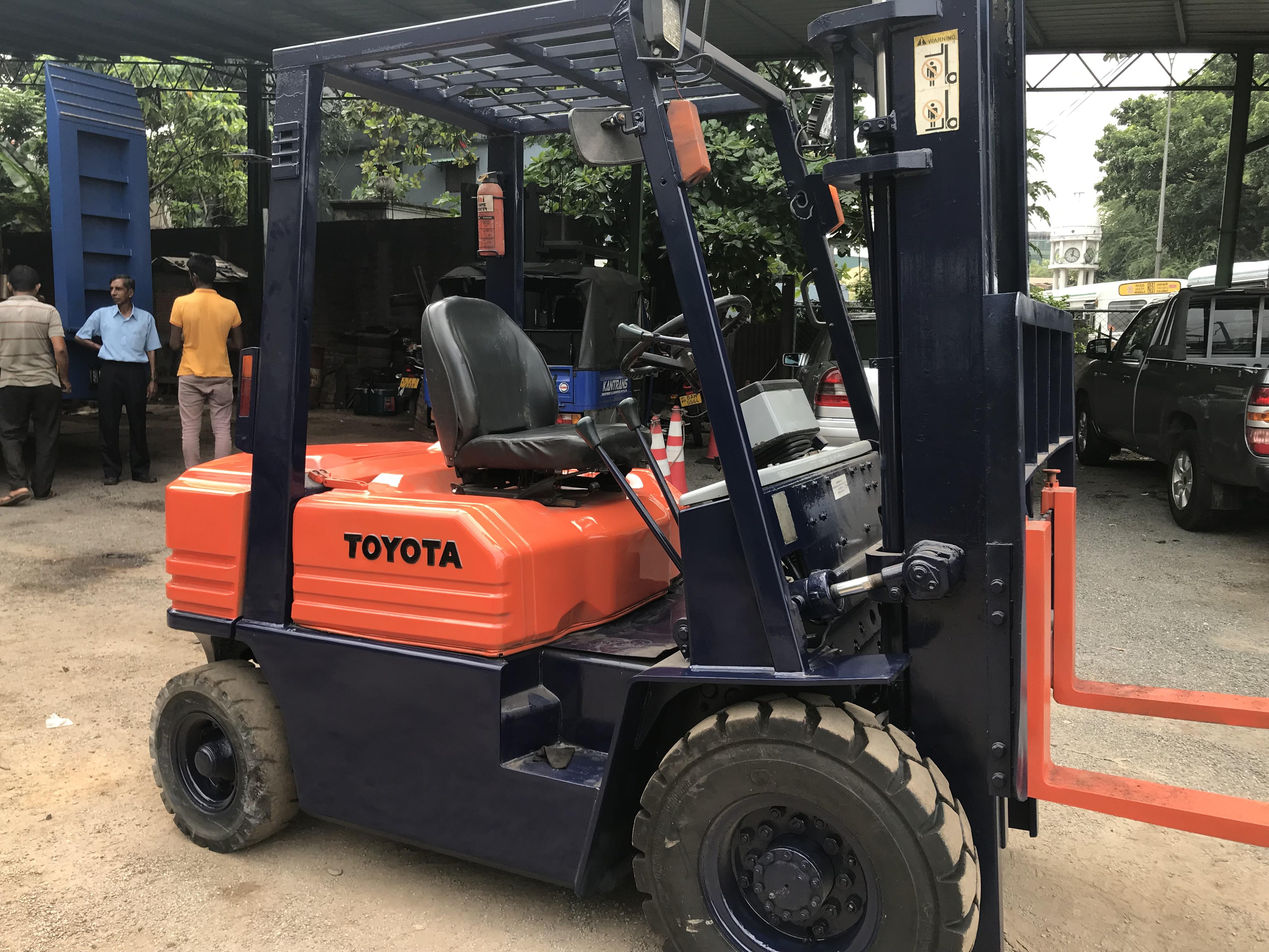 Forklift Rentals and Hiring in Srilanka Toyota 2 ton Diesel